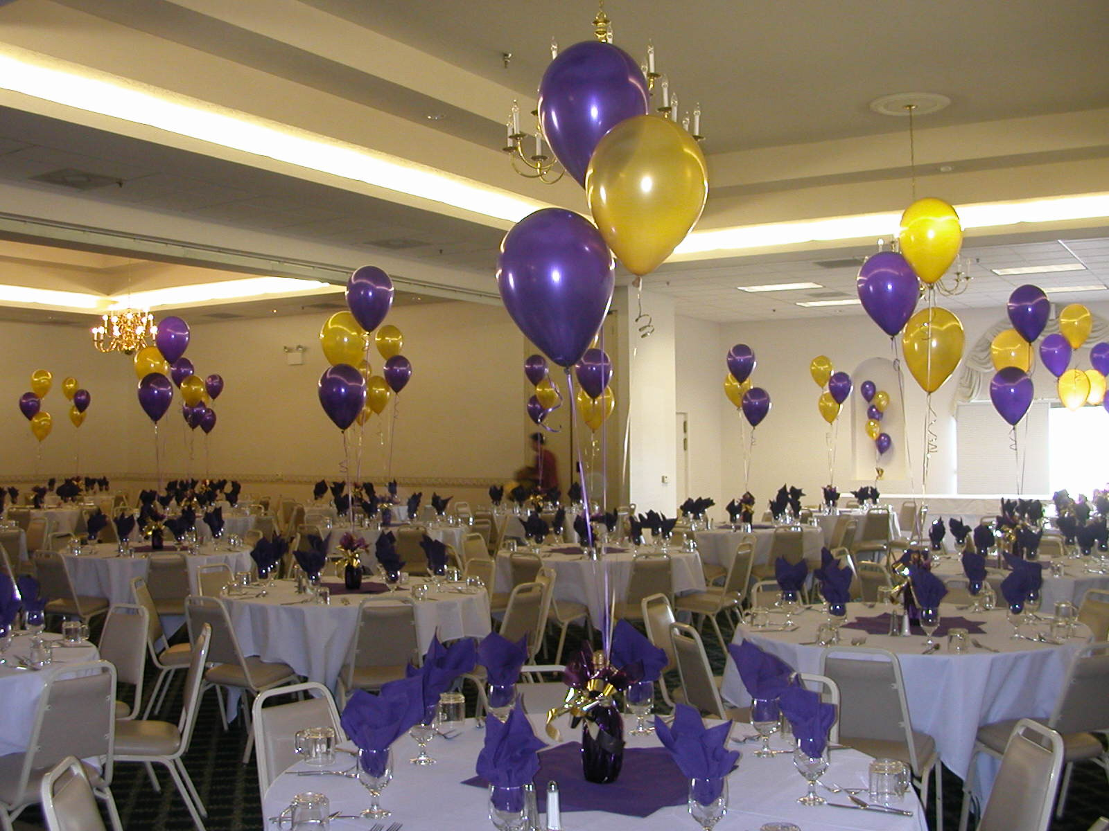 Photograph balloon decor of central california centerpiece