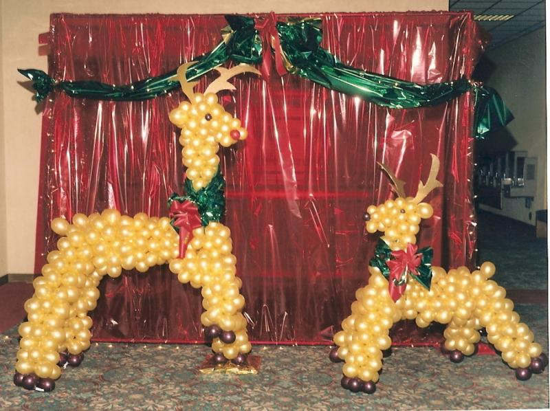balloon decor of central california christmas - Christmas Balloon Decor